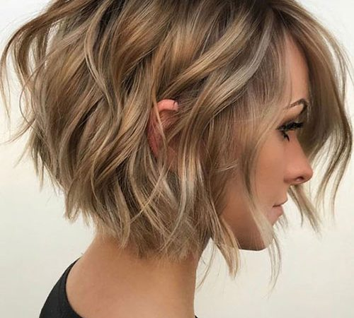 25 Short Wavy Cuts to Turn People's Head
