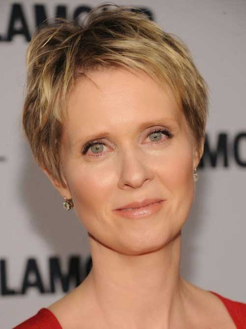 Elegant Short Fine Hairstyles for Women