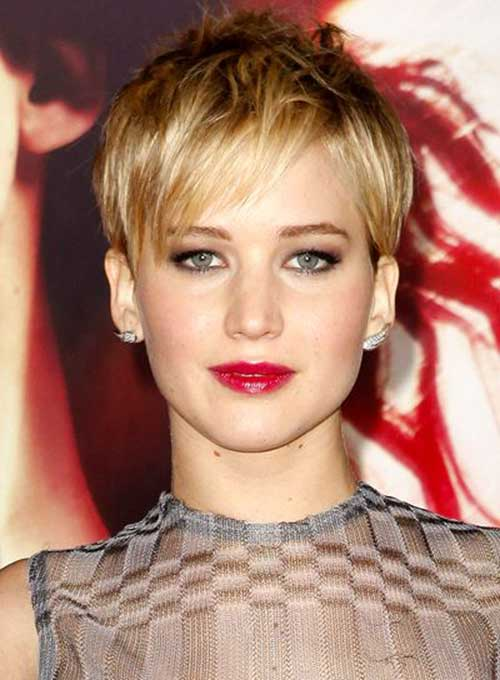 Hairstyles for Short Straight Natural Hair