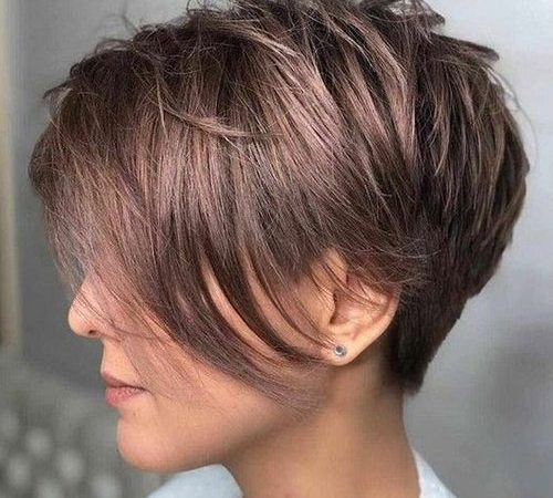 Short Layered Styles for Ladies with 20 Pictures