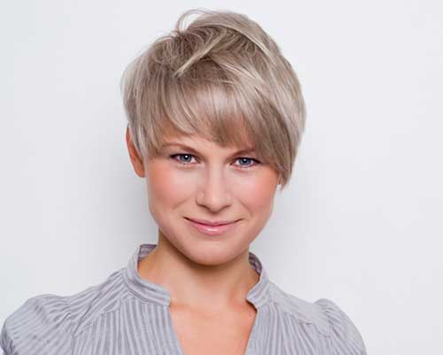 Short Pixie Hairstyles for Straight Hair