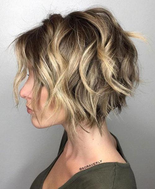 Stylish Short Wavy Styles