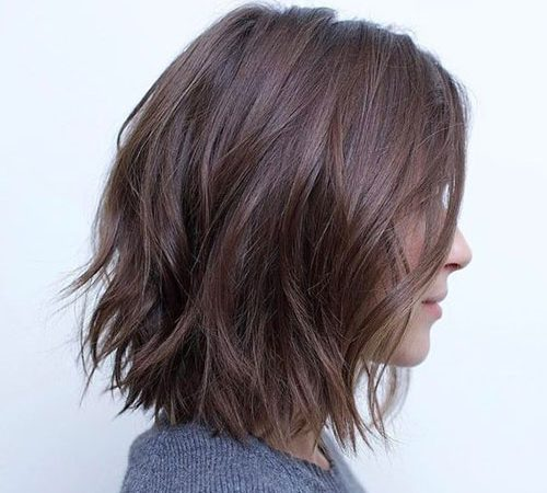 25+ Hairstyles for Short Layered Hair to Give Inspiration