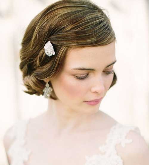 Short Bridal Bob Hairdos