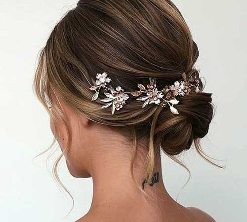 17 Short Bridal Hairdos to Show Your Elegance