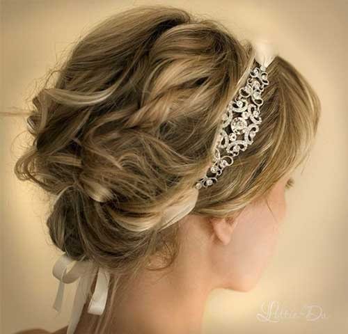 Wavy Short Bridal Hairdos