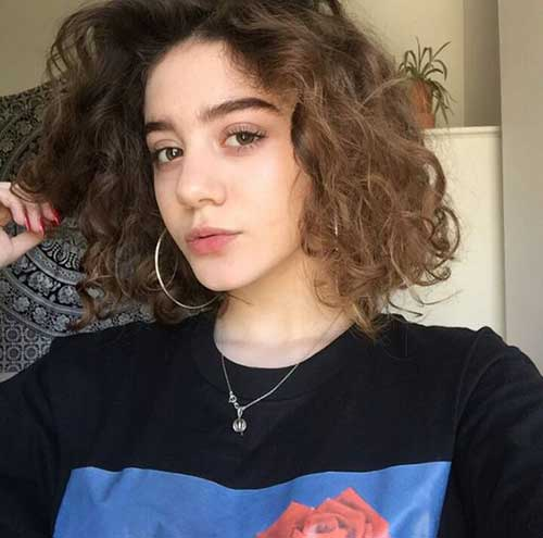 Curly Bob Haircuts-19
