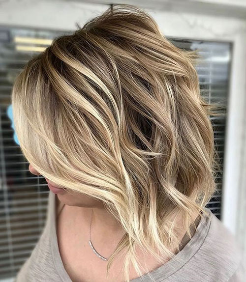 Wavy Short Summer Haircuts
