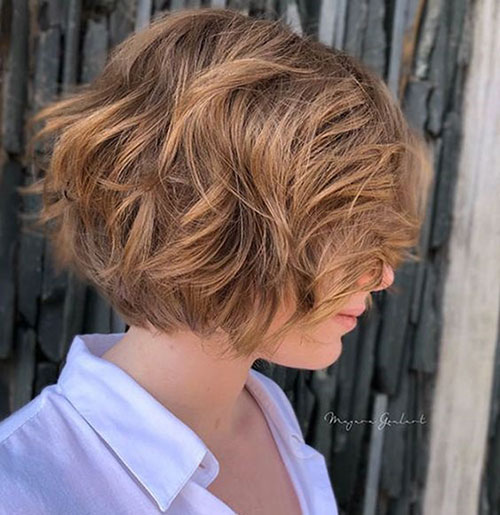 Admirable 15 Wavy Short Haircuts For An Elegant Look Short Hairstyless Schematic Wiring Diagrams Amerangerunnerswayorg