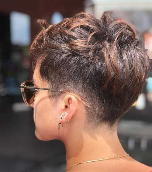 Trendy Lazy Hairstyles for Short Hair