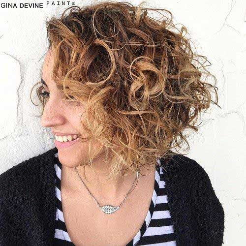 Chic Bob Hairstyles for Curly Hair