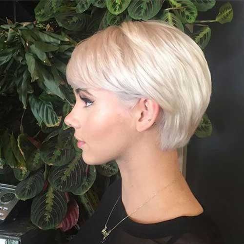 Short Straight Blonde Hairstyles 2020