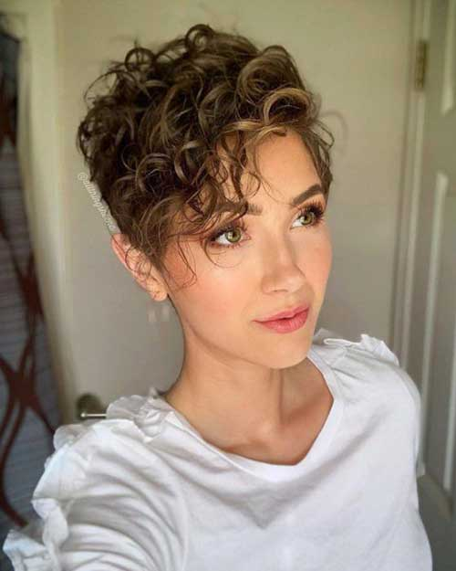 Naturally Curly Pixie Hairstyles-10