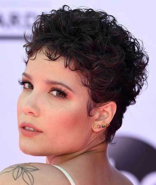 Low Maintenance Short Haircuts for Frizzy Hair