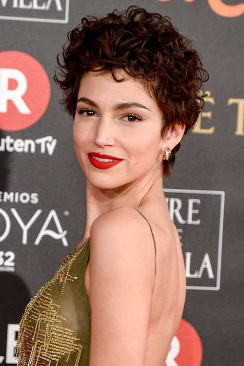 Ursula Corbero Short Haircuts for Frizzy Hair