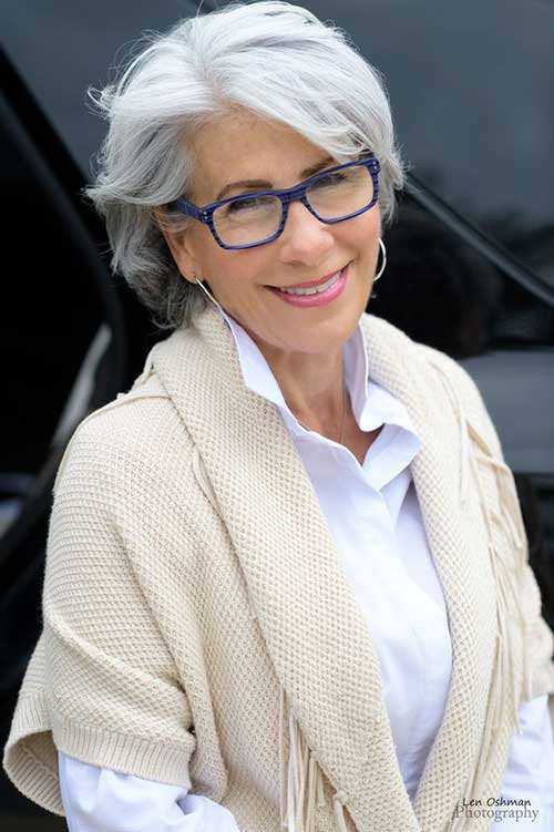 Short Hairstyles for Older Ladies with Glasses-11