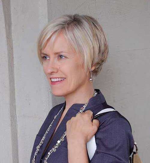 Short Thin Hairstyles for Older Ladies-16