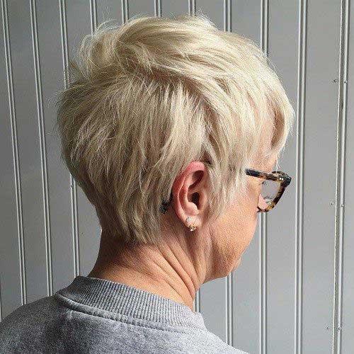 Very Short Blonde Hairstyles for Older Ladies-17