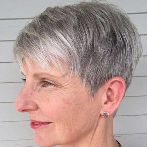 Classy Short Hairstyles for Older Ladies-19