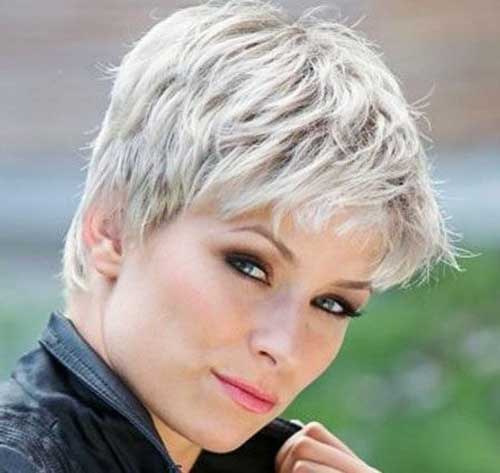 Very Short Gray Hairstyles for Older Ladies-19