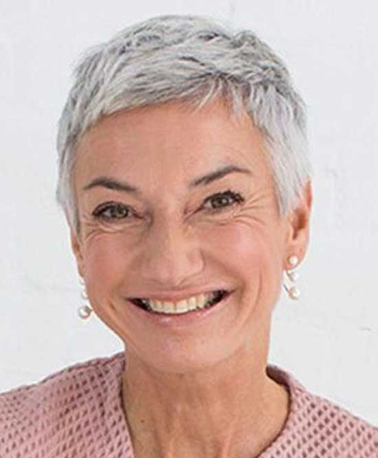 Chic Very Short Hairstyles for Older Ladies-25