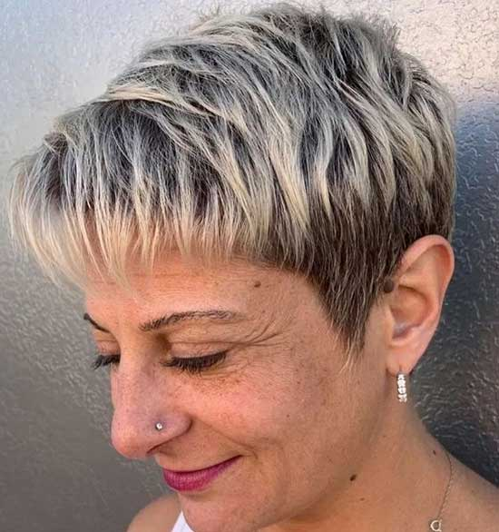 Super Short Hairstyles for Older Ladies-28