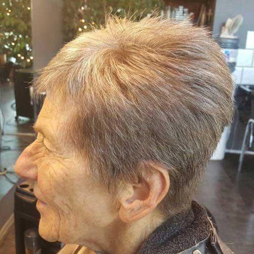 Short Hairstyles for Older Ladies-35
