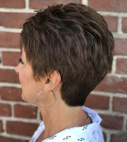 Short Hairstyles for Older Ladies-37