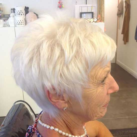 Short Hairstyles for Older Ladies-38