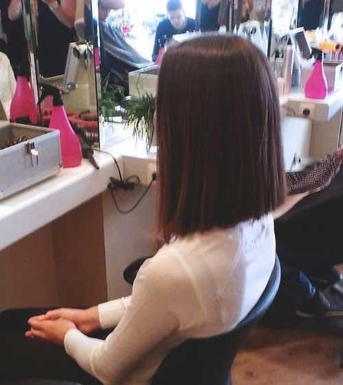 Straight Medium Short Hairstyles-7