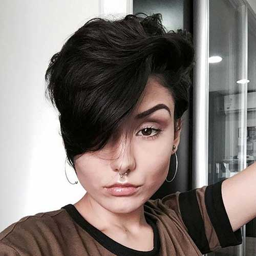 Beautiful Short Haircuts for Thick Hair-16