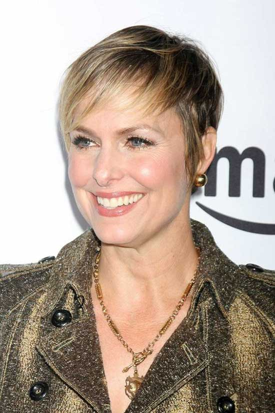 Blonde Pixie Haircuts for Women Over 50-20