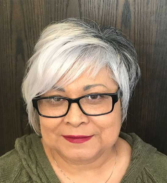 Pixie Haircuts for Round Face Women Over 50-6