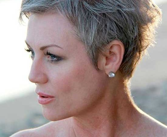 20 Pixie Haircuts for Women Over 50 to Look Elegant