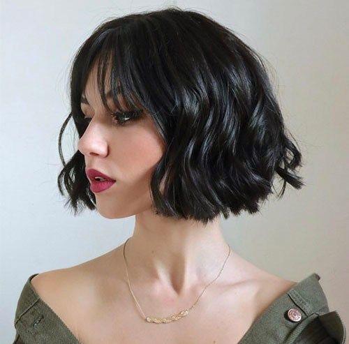Cute Short Hairstyles for Wavy Hair-14