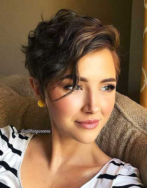 Brown Short Hairstyles for Wavy Hair-17