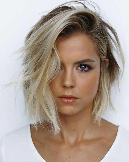 Stylish Short Hairstyles for Wavy Hair-18