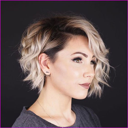 Short Pixie Hairstyles for Wavy Hair-7