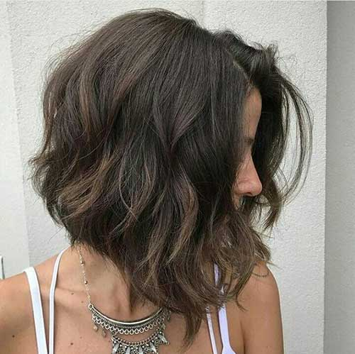 Cute Short Thick Inverted Hairstyles-12