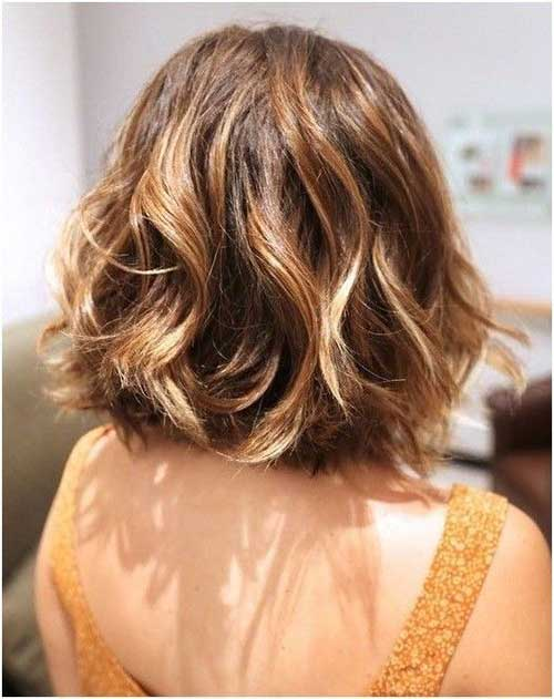 Cute Short Thick Wavy Hairstyles-15