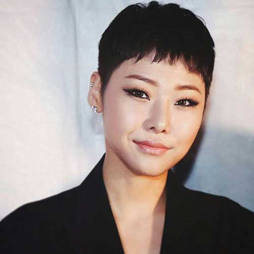 Stylish Asian Pixie Cuts-16