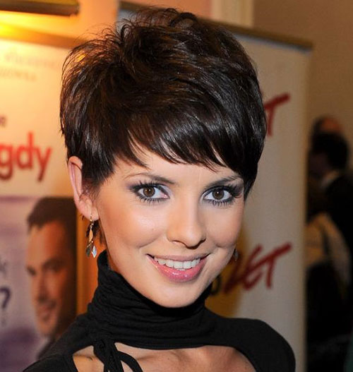 Stylish Wavy Pixie Cuts-21