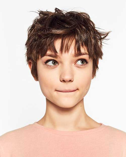 Popular Stylish Pixie Cuts-22