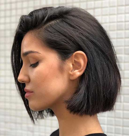 Ear Length Cute Bob Haircuts-25