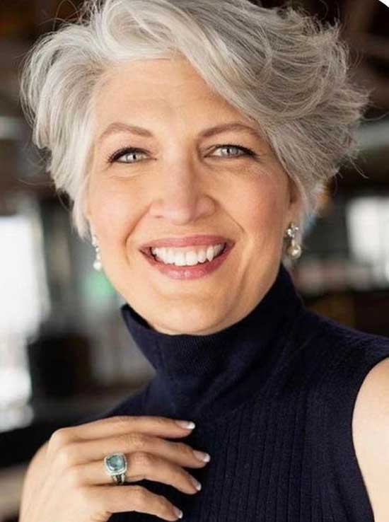 Short Pixie Styles for Women Over 60-7