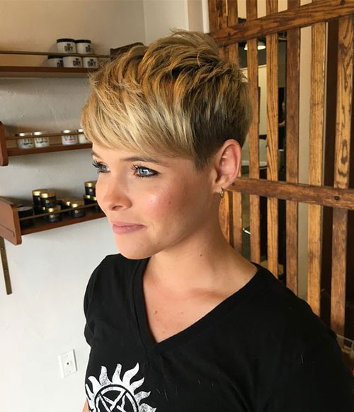 Stylish Pixie Hairstyles for Women